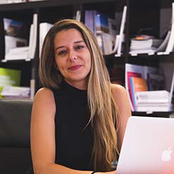 Ana Vargues OK Estudante student adviser